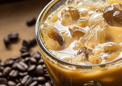 چگونه-قهوه-را-روی-شیر-کاملا-درست-کنیم؟